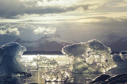 Los Ningen, las extrañas criaturas humanoides del Ártico