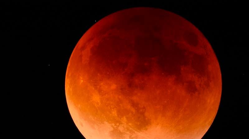 La-Luna-de-Sangre-la-profecía-del-final-de-los-tiempos